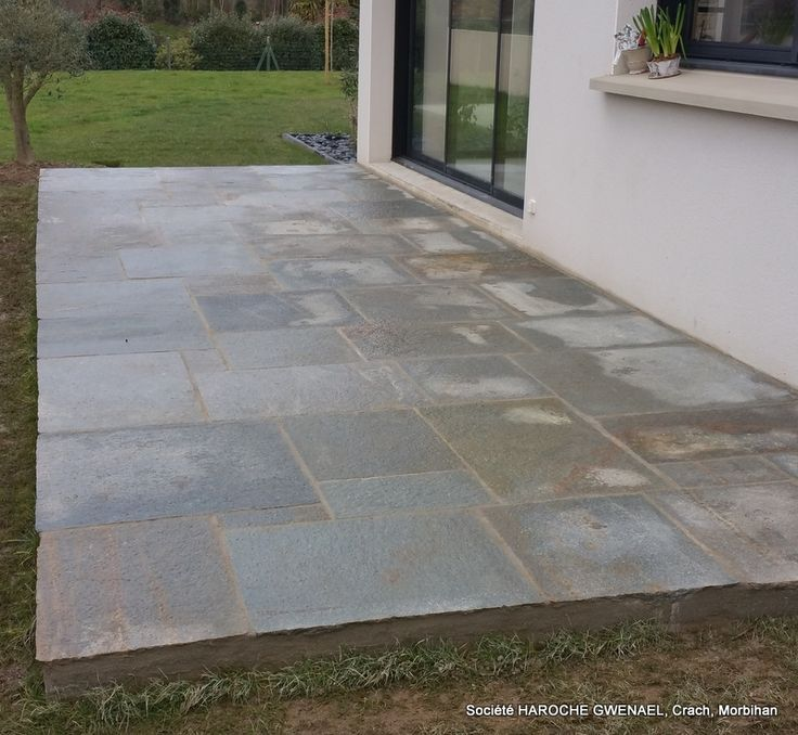 """Terrasse dallage pierre naturelle de chez CUPASTONE """"Luzerne Géant"""""""