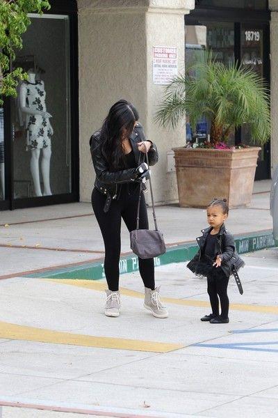 Kim Kardashian Photos - Kim Kardashian and North West Go to Dance Class - Zimbio