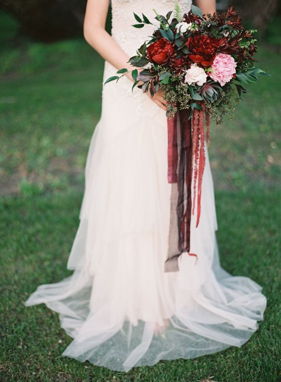 RM note: not for color nor flowers. I'm simply including this photo for how substantial I'd love my bridal bouquet to be :)