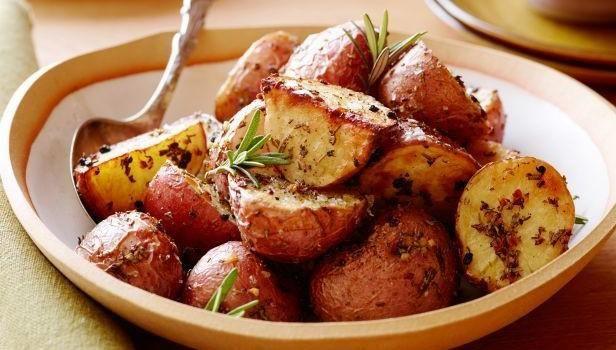 Συνταγή για φοιτητές: Πατάτες φούρνου λεμονάτες με σκόρδο – foititakos.gr | Το μεγαλύτερο φοιτητικό blog, από το 2007!
