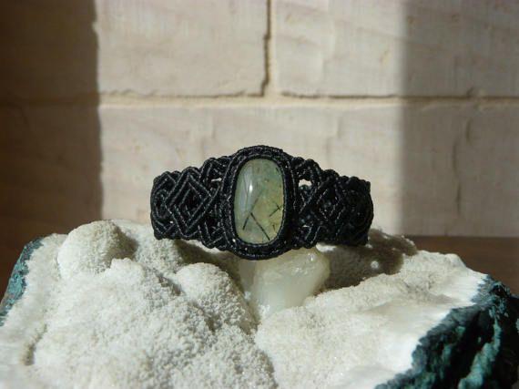 Guarda questo articolo nel mio negozio Etsy https://www.etsy.com/it/listing/516673033/bracciale-prehnite-bracciale-macrame