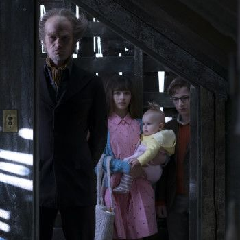 A adaptação da Netflix para Desventuras em Série ganhou várias novas imagens, inclusive de alguns dos disfarces do Conde Olaf.
