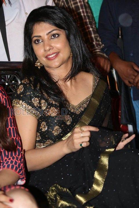 You are Viewing Actress Kamalini Mukherjee Stills - Bengali Beauty Kamalinee Mukherjee Photos 16 at KollywoodZone.com. For more Sexy Kamalini Mukherjee Pictures and Photos, visit KollywoodZone.com