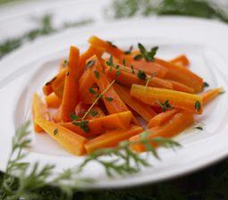 Gulerødder med krydderurt