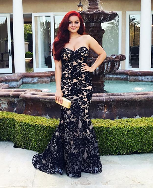 "Like, holy shit YAS QUEEN. | Ariel Winter's Prom Look Will Make You Scream ""YAS QUEEN"""