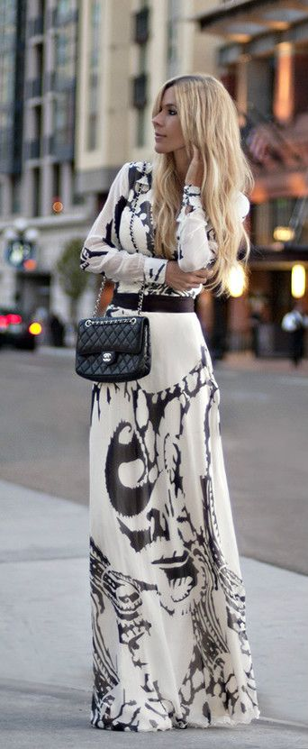 so pretty: Long Dresses, Chanel Bags, Clothing, Black And White, Street Style, Black White, White Maxi Dresses, Prints, The Dresses