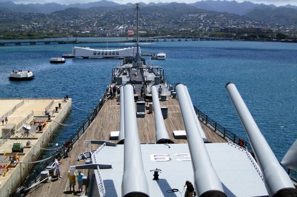 O'ahu – #Honolulu – Pearl Harbor: USS Missouri and USS Arizona Memorial