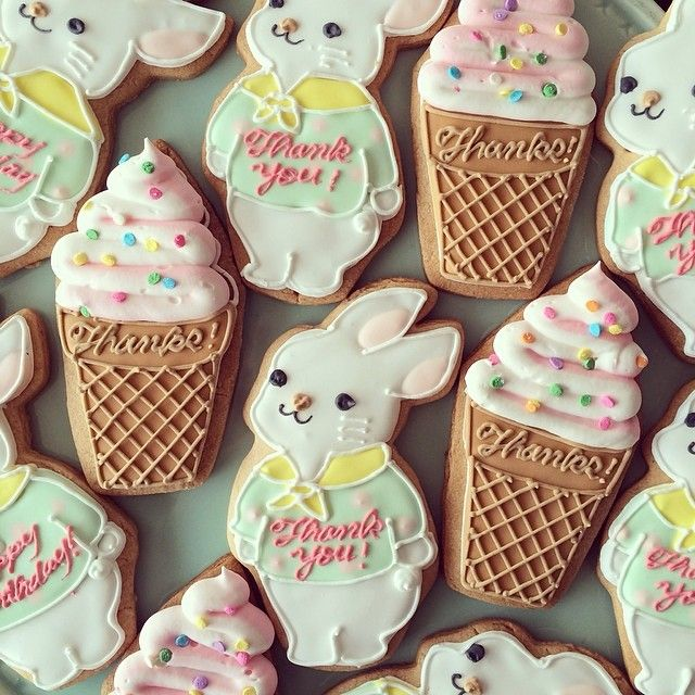 white bunny sugar cookies