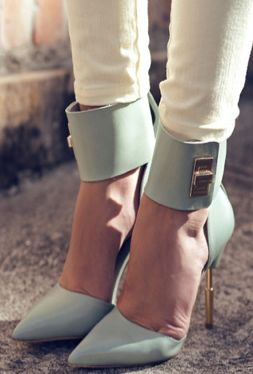 fabulous mint gold heels