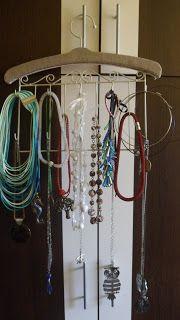 Atelier bleuciel: bijuterii organizate