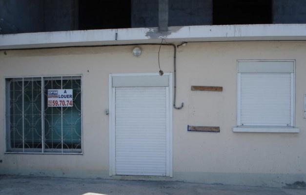 Bureau - commerce - immobilier | A louer un local professionnel au Tampon idéal profession libérale |