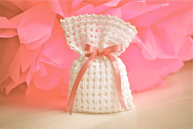 Wedding favor  Baby shower  Crochet  White bag di LeCrochetdOr, $15,00