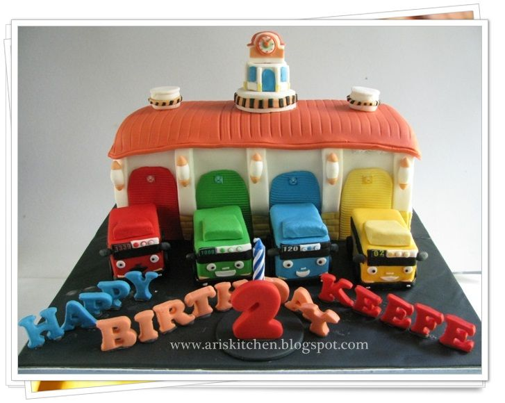 d'Angel Cakes: Tayo The Little Bus and Garage Cake