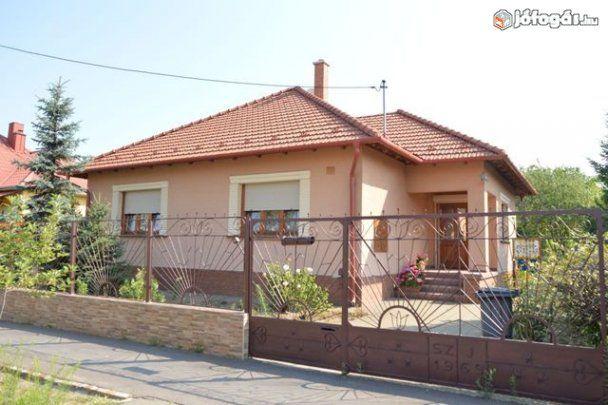 Eladó 100 m2-es felújított ház Kecskeméten, 8. image