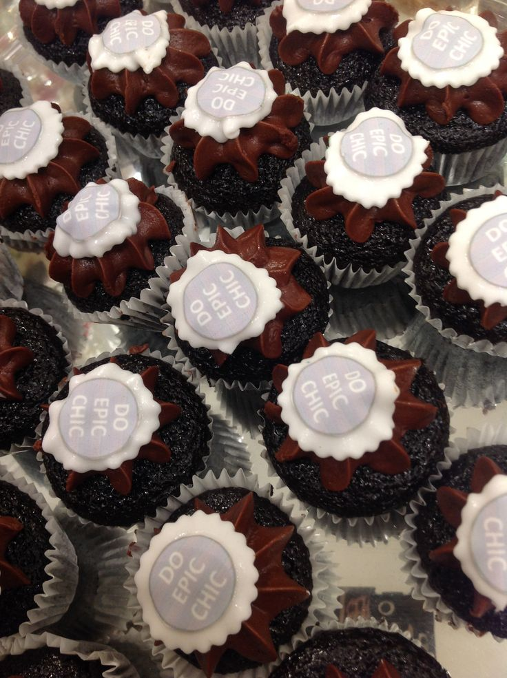 Do Epic Chic cupcakes at the #NicciWinter14 Launch