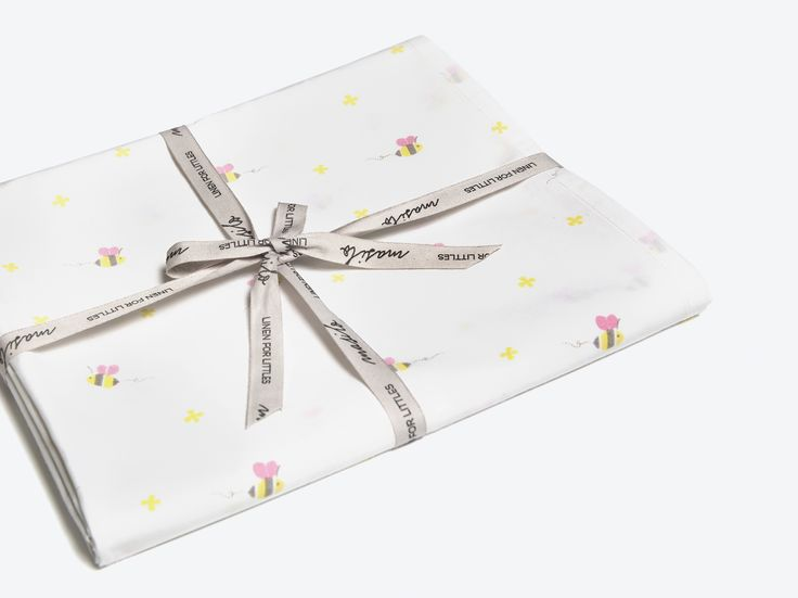 Buzzing Bee-Organic Fitted Crib Sheet, Nursery Crib Sheet, Fitted Crib Sheet, Bee Crib Sheet, Cot Sheet, Baby Girl Crib Sheet, Crib Sheets