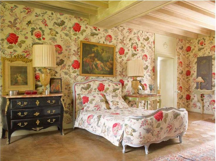 Large Pink And Gray Floral In This One Print Bedroom French Chateau David Hare