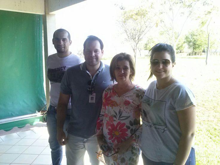 Alexandre Batista do Carmo, Otton Garcia de Arruda, Adriana Armani e Paula Berto Papa, trabalhando para o sucesso dos eventos da Semana da Árvore: