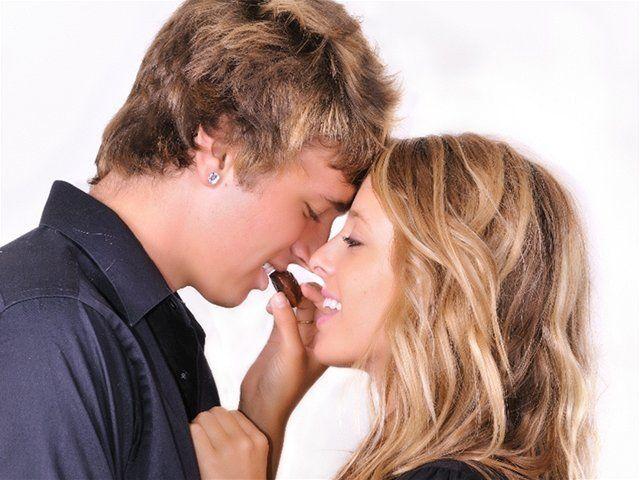 afrodiziaká, afrodiziakum, láska, srdce, čili papričky, pár, dvojica, milenci