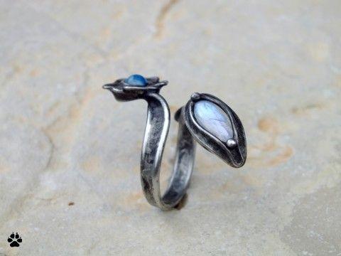 Modrý kvítek-měsíční kámen,achátek kámen achát kov dárek prsten cín kovový květinka adulár prstýnek kovové autorský originál měsíční minerály kameny cínový polodrahokamy prsteny prstýnky květinový cínové
