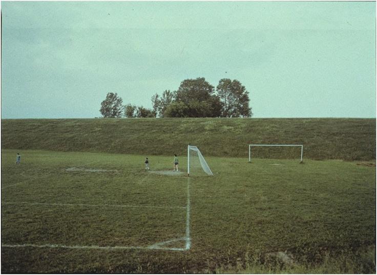 luigi ghirri - campo da calcio