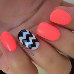 Neon and chevron nails, a great mani to wrap up the summer!