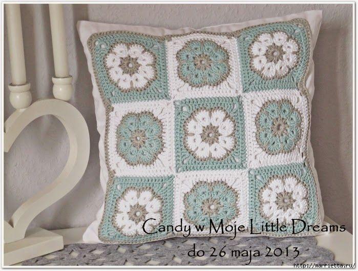 cuscino fiore africano   Hobby lavori femminili - ricamo - uncinetto - maglia