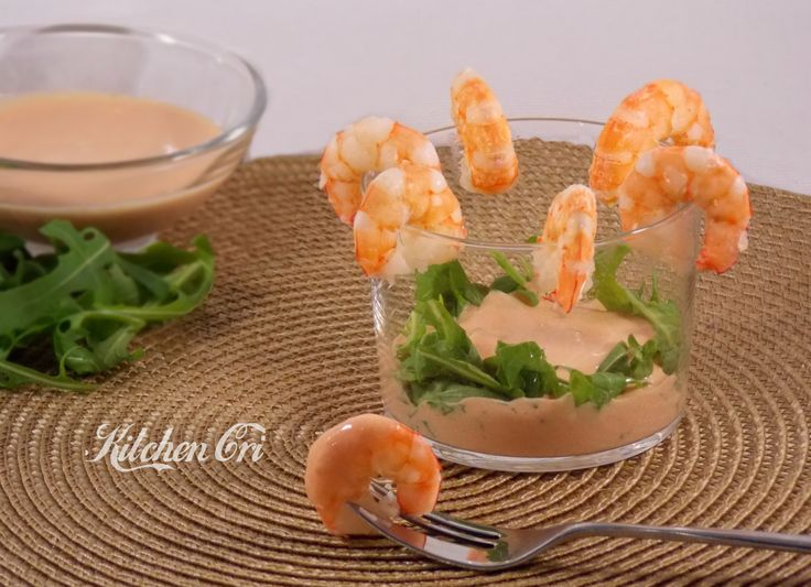 gamberi con salsa rosa una ricetta sfiziosa da proporre come antipasto, aperitivo o buffet si può preparare in anticipo perfetta sia d'estate che d'inverno