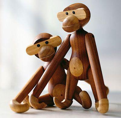 The monkey– designed by Kaj Bojesen in 1951 – is a Danish classic hanger and art piece