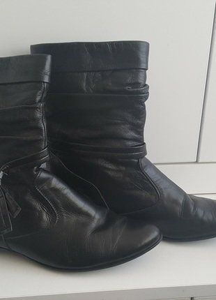 Kup mój przedmiot na #vintedpl http://www.vinted.pl/damskie-obuwie/botki/17066692-botki-eko-skora-plaskie-rozmiar-38-supelki-wygodne