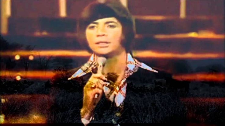 BOBBY GOLDSBORO =HONEY= My grandmother would play this song over and over again... on her 8 track player with tears pouring down her face. Great song.