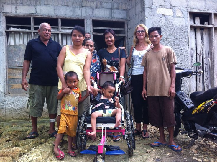 Johannes received a wheelchair for free.
