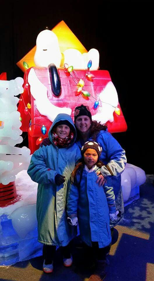 Melanie and Family enjoying Peanuts ice sculptures in 9 degree weather @ Ice at Gaylord Palms, Kissimmee Florida 12-27-2016!