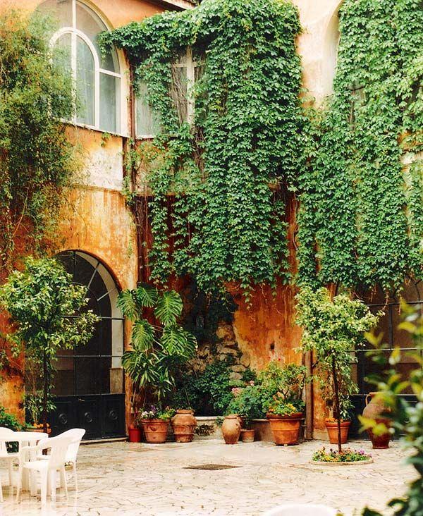 Porch Light Dsm: 24 Best Courtyards Images On Pinterest