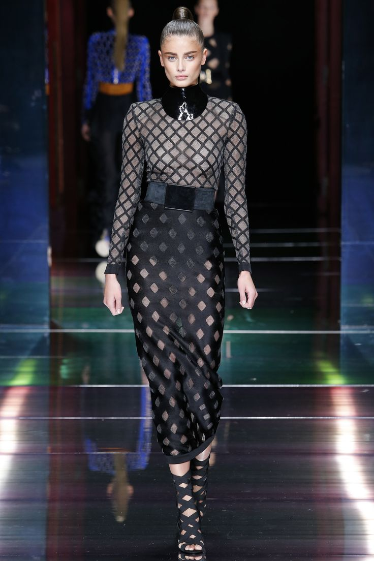 124 best my favorite model taylor hill images on pinterest balmain spring 2016 ready to wear fashion show voltagebd Images