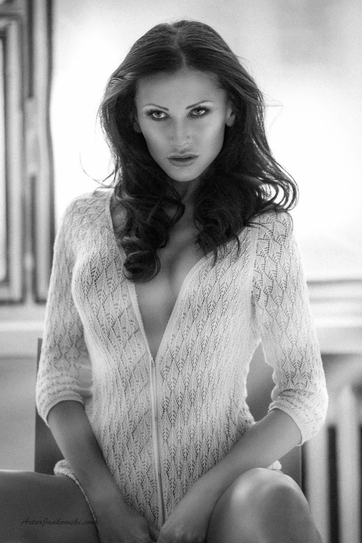 Monique .. by Artur Jankowski MaxArtoo on 500px
