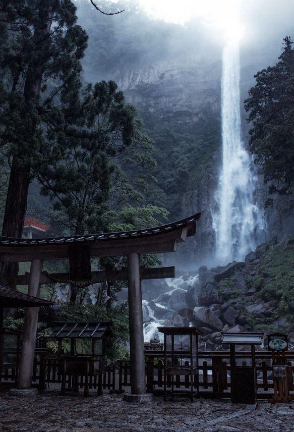 Rain season in Japan looks absolutely epic!