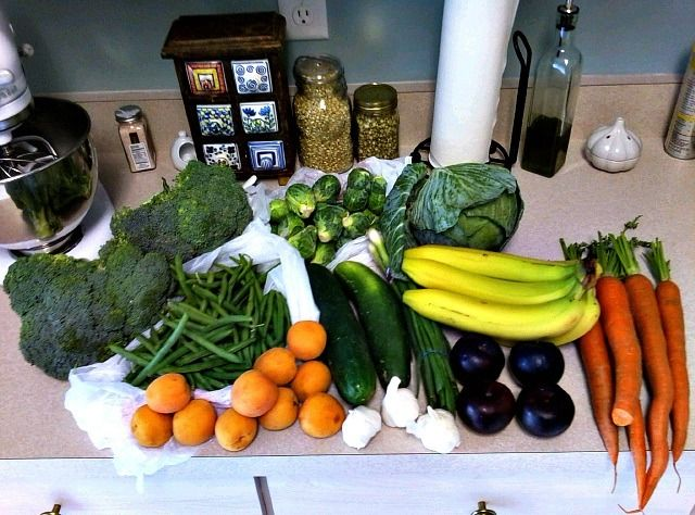 My trip to the farmers market today. This will last me..ooohhhh probably 3 days, if that. Yum!!