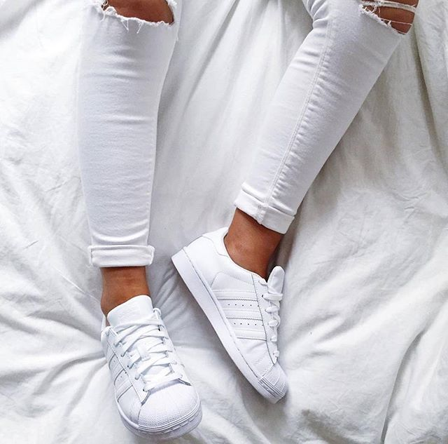 all white superstar adidas