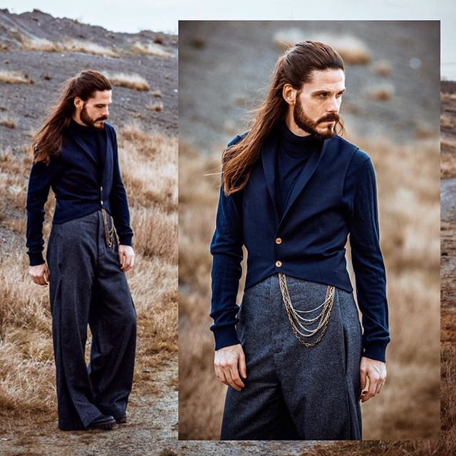 The new Blogpost for all my instagramers. You can see more pics and information on my blog  LINK IN BIO. #jirikalfar #brachmann #dandy #fashionaddict #instagood #menwithstyle #photooftheday #asseenonme #menswearclothing #look #ginger #picoftheday #mfashionstyle #manwithlonghair #malemodel #menstyle #redhot100 #outfitoftheday #ginger #ootd #follow #gingerbeard #fashionblogger #style #blogger #mensfashion Vest: @jirikalfar throusers: @brachmannofficial shirt: @hugoboss shoes: @sandcopenh...