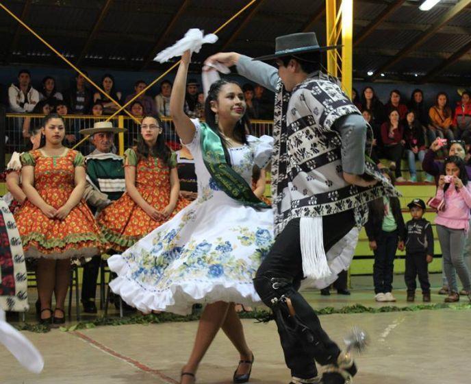 2013/12/9...Cientos de personas disfrutaron de la 4ª gala anual del Club de Cueca Trinar de Espuelas de Los Álamos