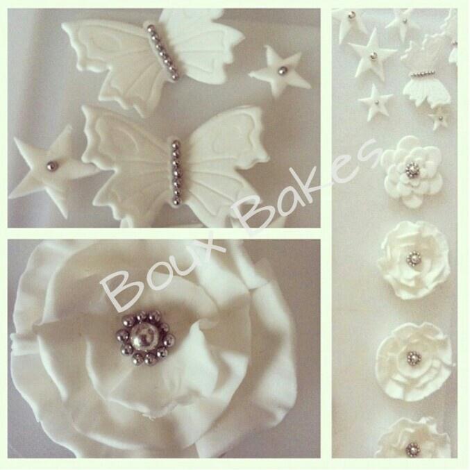 Edible sugarpaste decorations (white & silver)