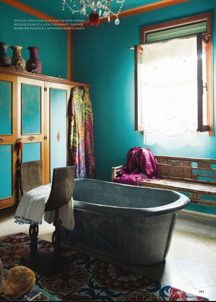 Bohemian Style Bathroom In Emerald Green In A House On The Adriatic Coast.
