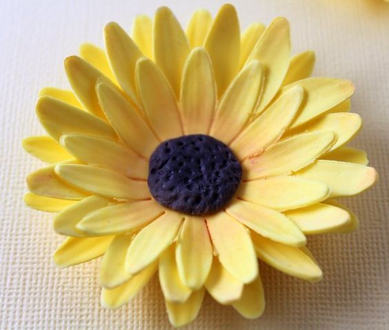 How to make a sunflower from fondant or gum paste