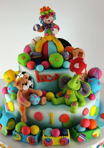 clown and balls cake