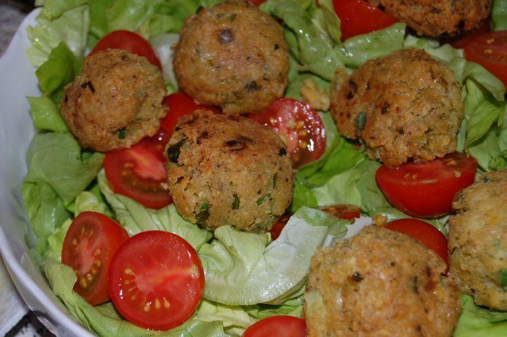 Fotorecept: Cícerové fašírky (Falafel) so šalátom