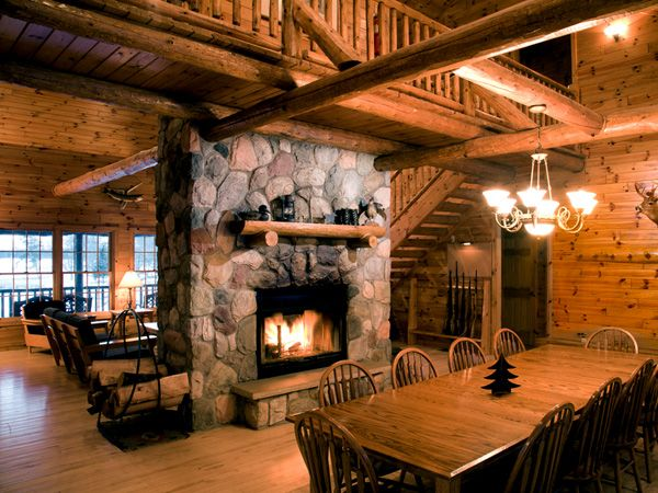 16 best hunting lodges images on pinterest for Hunting cabin interior designs