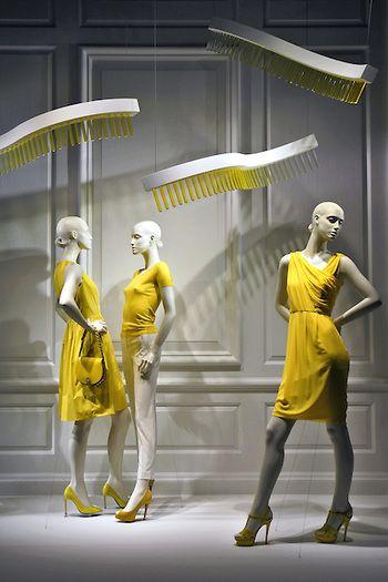 Saks fifth avenue NY window display. GET MORE INSPIRATION http://vit-rina.blogspot.co.il/