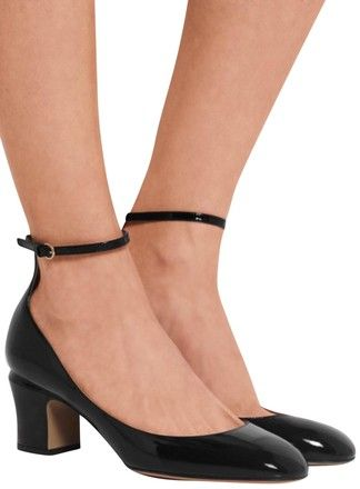 7d2c7be5308 Get the must-have pumps of this season! These Valentino Black Tango Patent  Leather Pumps Size EU 38.5 (Approx. US 8.5) Regular (M