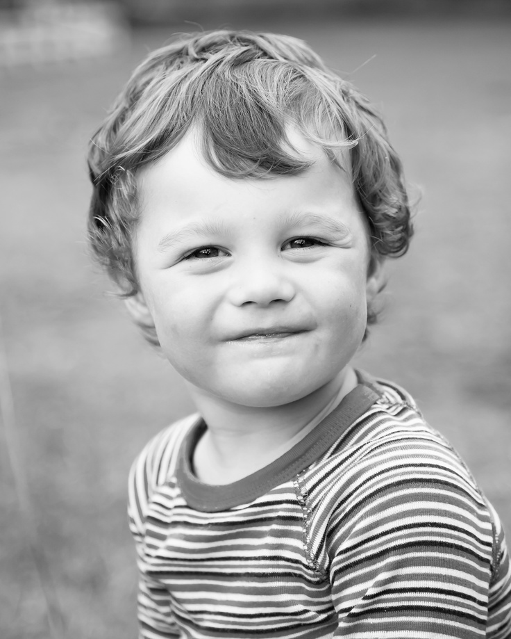 www.becmunden.co.nz  Toddler real-life shoots  Capturing them doing what they love